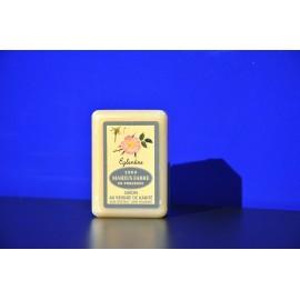 Savonnette au beurre de karité - parfumée à l'Eglantine 150g